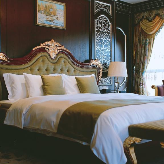 Hotels Preference Hualing Tbilisi Luxury-Room