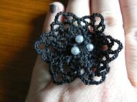 bague-noire-fleur-1