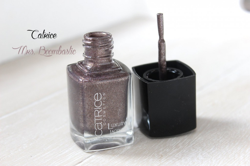 Catrice Mrs Boombastic – liquid metal (shiny)