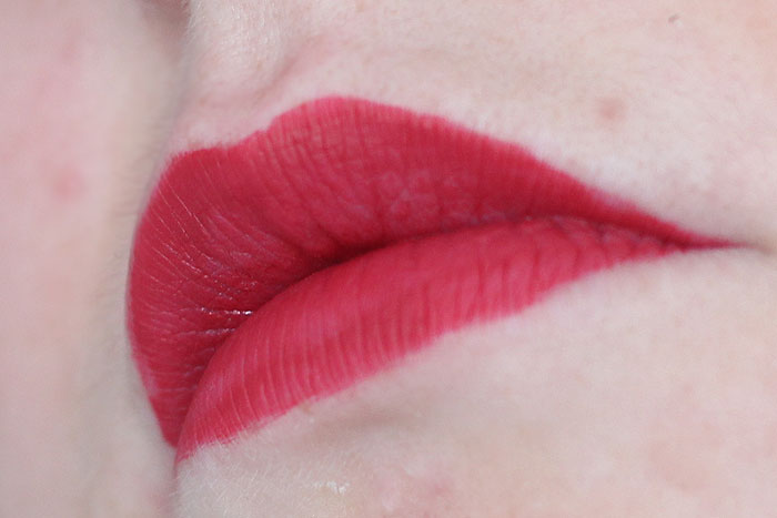 W7 liquid kiss lipstick Moulin Rouge
