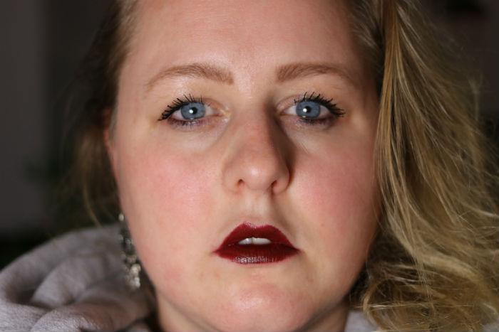 makeup revolution matte lipstick movie swatch
