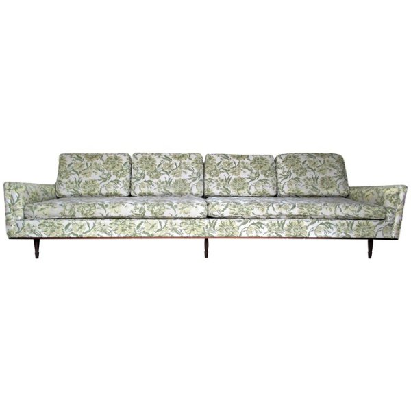 Elongated Modernist Sofa in the style of Gio Ponti