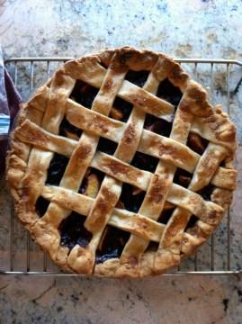 Peach-berry pie
