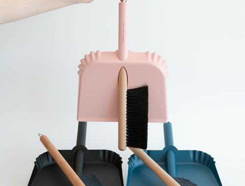 Good Thing Richman broom & dustpan - doorsixteen.com