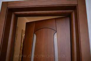 Дверной короб с добором и наличником. Скругленный торец короба прекрасно смотрится!