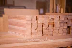 массив ясеня, доска половая, столярные изделия из массива, двери из ясеня.doorwood