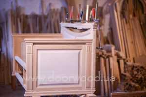 столярные изделия, мебель из дерева, детская кроватка из дерева.doorwood