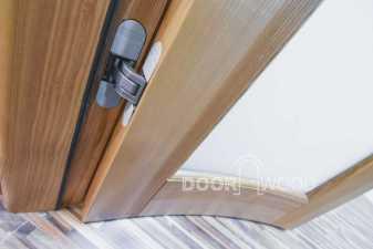 скрытые петли на радиусных дверяъ