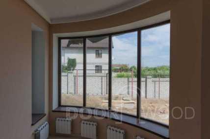 деревянное окно со стеклопакетом деревянные подоконник