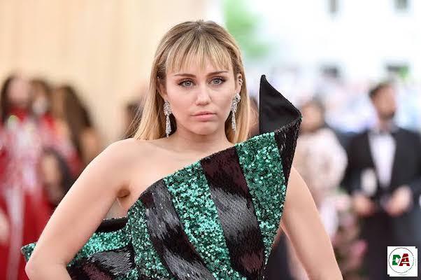 Miley-Cyrus-wish we never met-(dopearena.com)