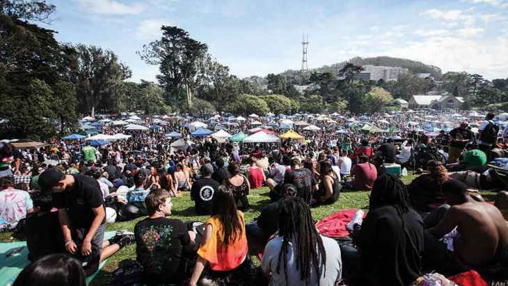 THE THRIVING SPIRIT OF 4/20: Celebrations from Hippie Hill to Parliament Hill 1