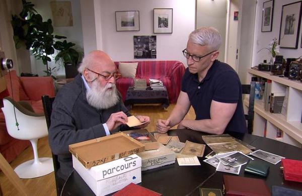 Adolfo Kaminsky and Anderson Cooper in Kaminsky's Paris apartment, April 2017. Photo © CBS News.