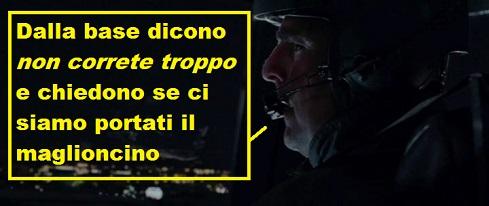 Vignetta su una scena del film Attacco al potere dove il pilota dice: dalla base dicono non correte troppo e ci chiedono se ci siamo portati il maglioncino