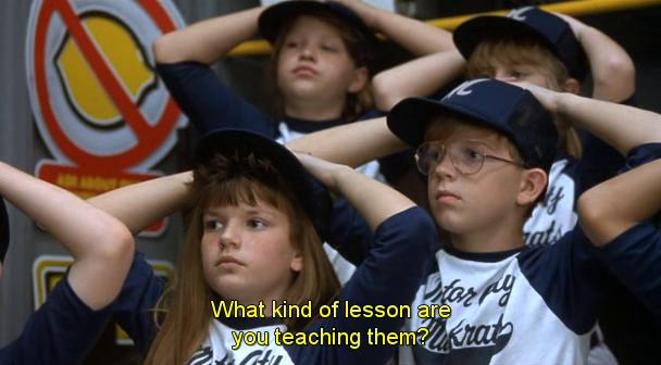 Bambini arrestati da Robocop nel film Robocop 2
