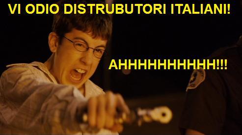 Scena dal film Suxbad (Superbad) con ragazzo che spara mentre urla vi odio distributori italiani