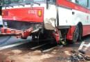 Z ARCHIVU DOPRAVÁČKA – nehoda autobusu v Kukulově ulici v Praze