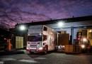 Hybridní stěhovací vůz Scania má v elektrickém režimu dojezd až 10 km