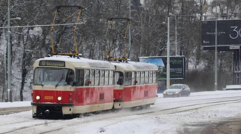 Dopravní podniky prosadily změnu v zákoně, díky které ušetří stovky milionů korun