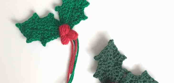 Holly Sprig With Berries - Free Crochet Pattern & Tutorial - Dora Does