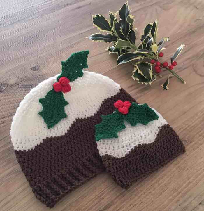 crochet christmas pudding hats with holly and berries and ribbed brim