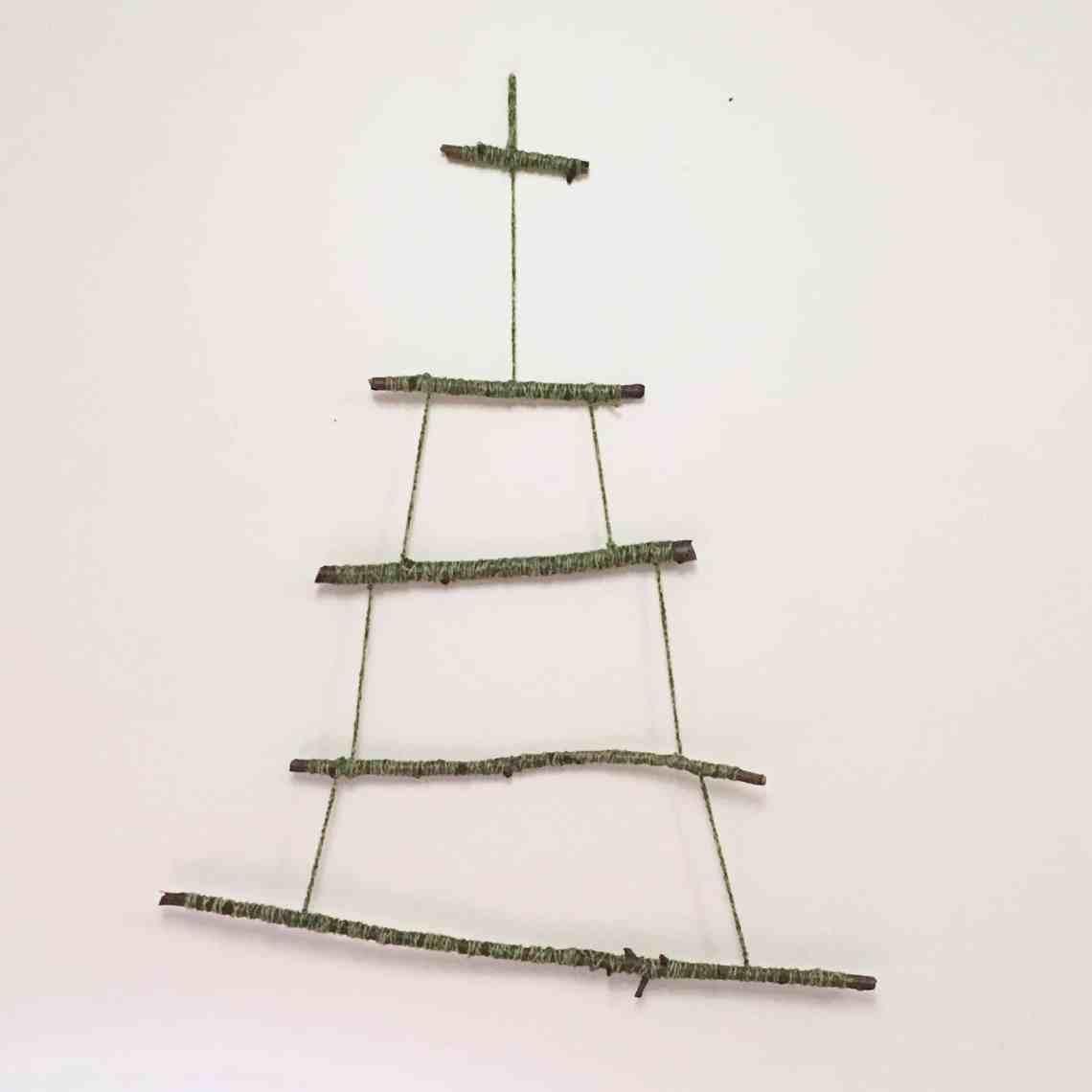 stick frame for pom pom tree