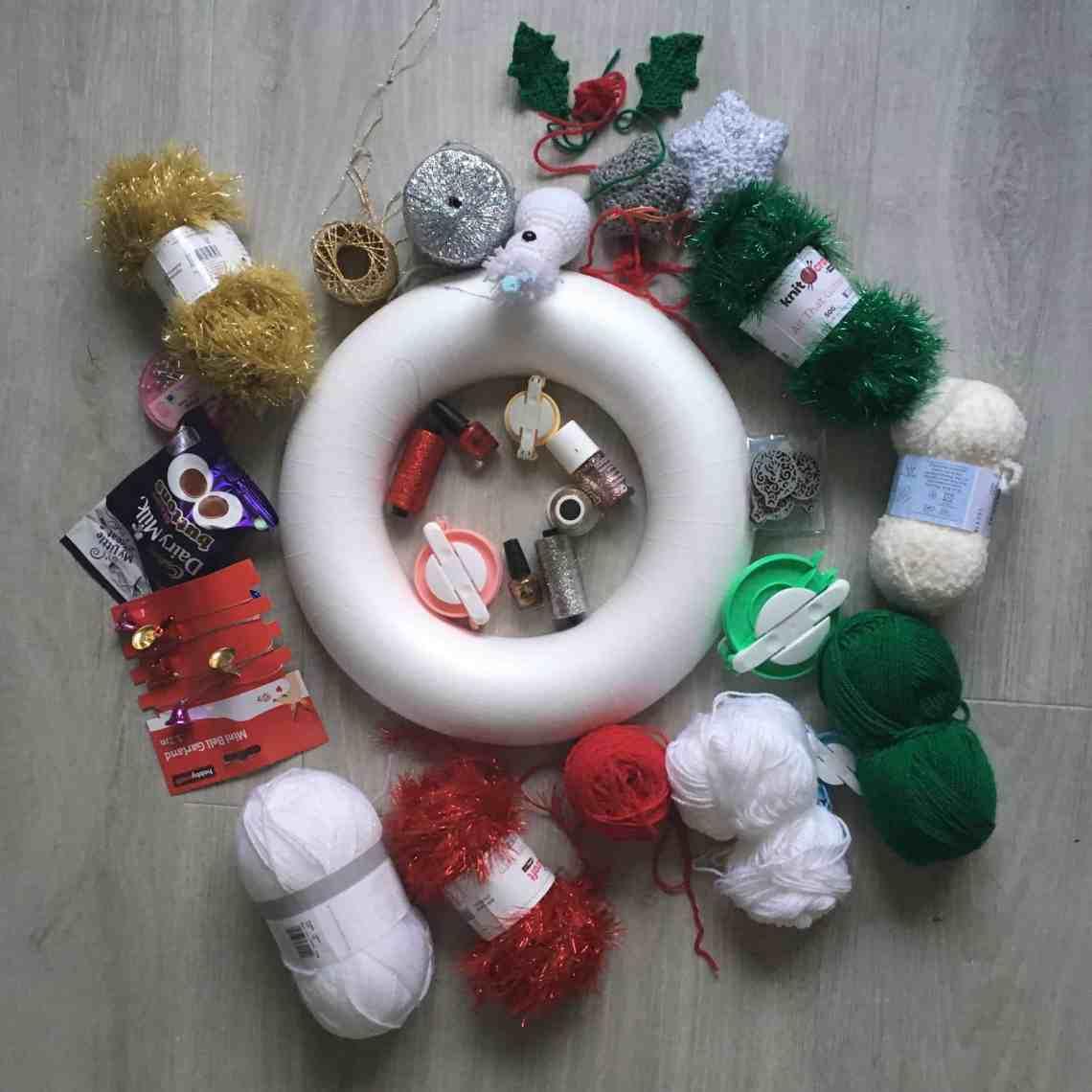 christmas crochet wreath making ingredients