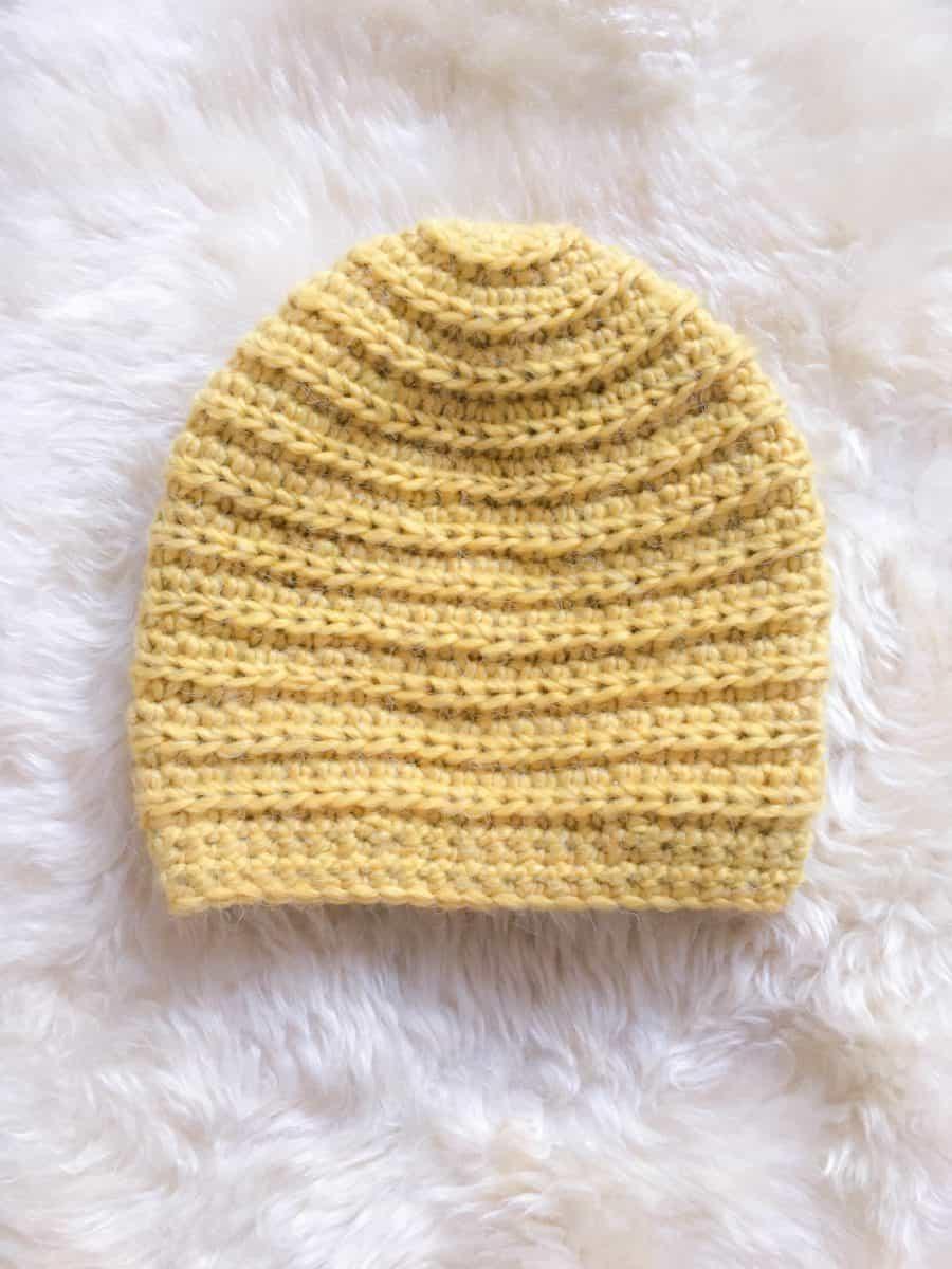 Crochet Beehive Beanie hat pattern chunky yarn ribbing