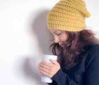 Crochet Beehive Beanie hat pattern from doradoes.co.uk