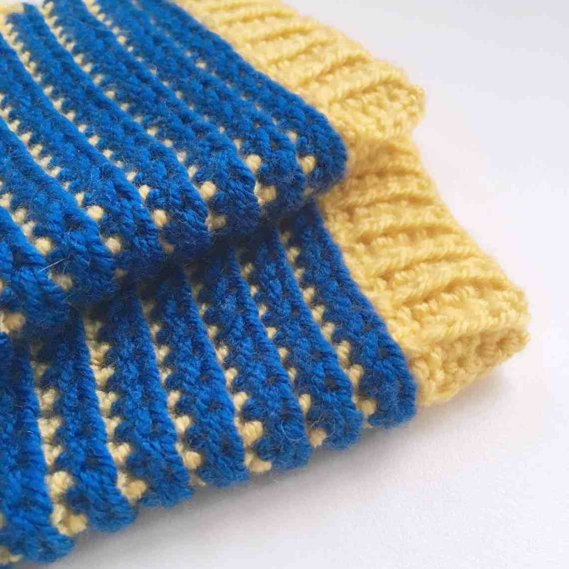 Crochet Fingerless Gloves Pattern by Doradoes.co.uk