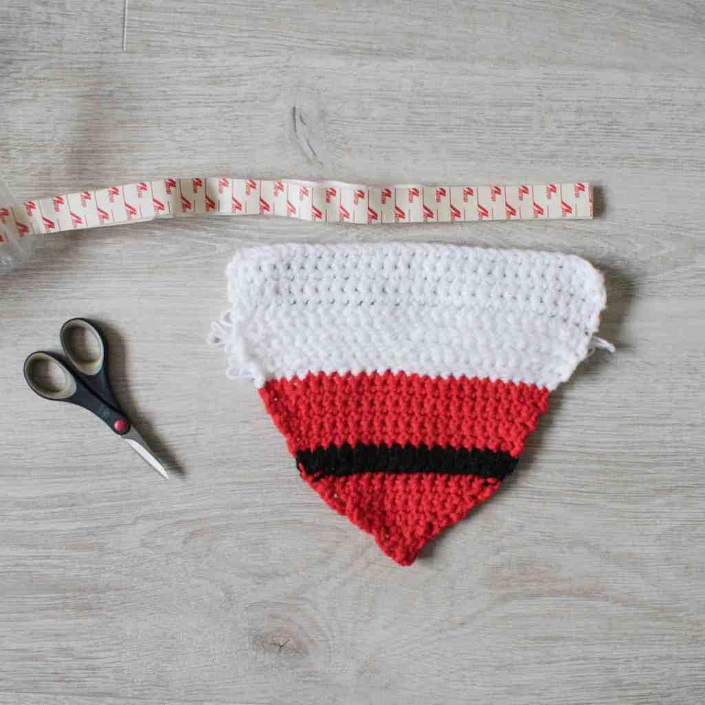Crochet Santa dog bandanna Velcro fastening tutorial