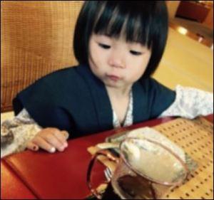 立川志らくと嫁酒井莉加の子供・長女小弓の画像