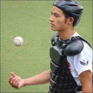 岡田健史の本名水上恒司の頃の高校で野球をしていた時の画像