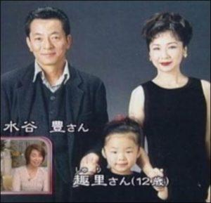 趣里と親の水谷豊・伊藤蘭の画像