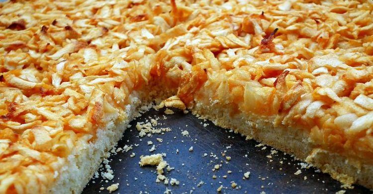 Kaip iškepti obuolių pyragą be cukraus?