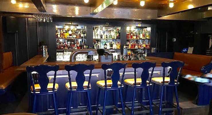 Brittneys Dorfkrug Kampgen Bar & Grill Wiin Kööv