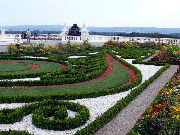 Der Barokgarten ist in mehrere Terassen gegliedert.