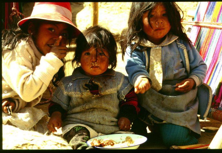 Bolivianische indiokinder (Urus)
