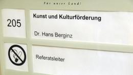Türschild Kunst und Kulturförderung | Dr. Hans Berginz - Referatsleiter