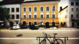 Braunau am Inn, Hitlerhaus