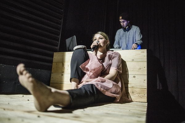 Romeo und Julia rebooted_Sarah Zaharanski (c) Mike Größinger_426
