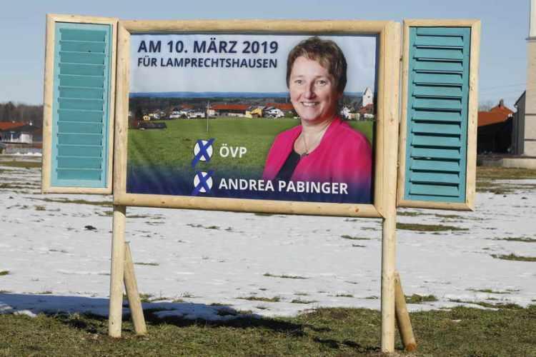 Gratulation an die Wahlsiegerin Bürgermeisterin Andrea Pabinger