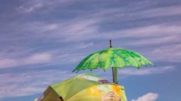 Bunte Regenschirme