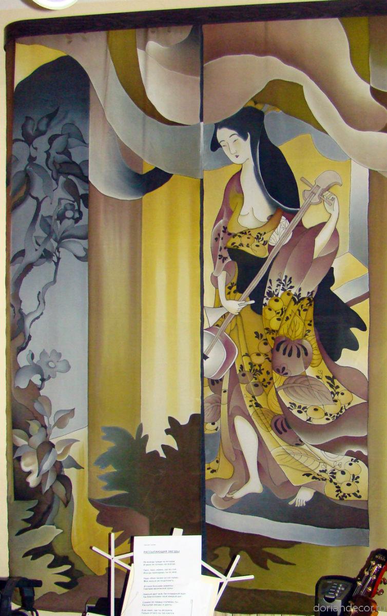 "Ирина Агалакова - ""Музицирование"". Штора на окно по мотивам японских гравюр. Роспись по натуралному шёлку. Размер - 2,5 X 1,8 м."