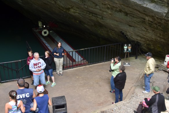 Penn's Cave (4)