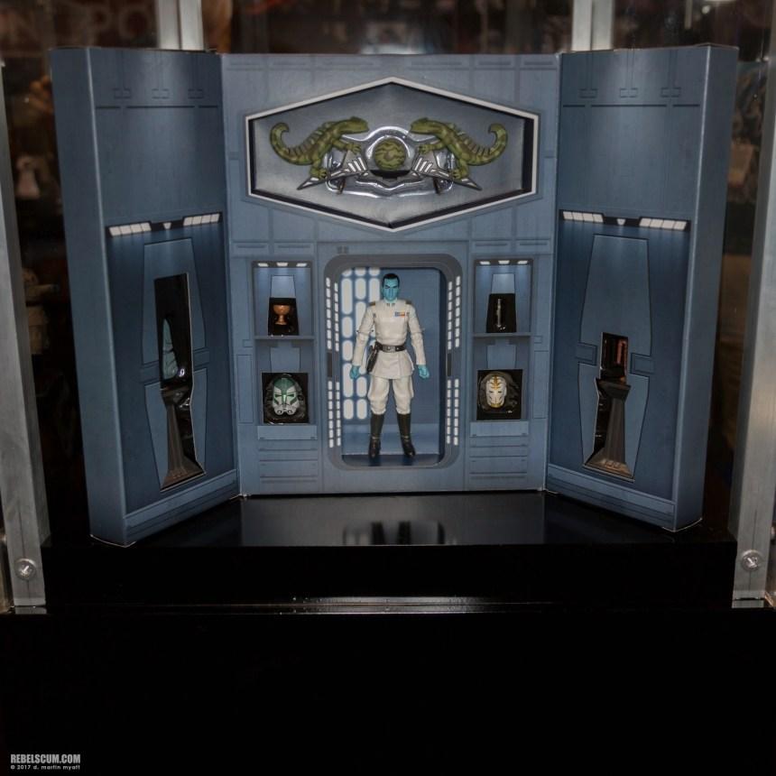 Star Wars Grand Admiral Thrawn Figure
