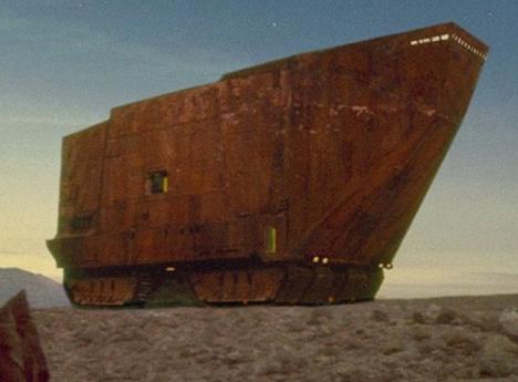 House Looks Like A Star Wars Sandcrawler Designs Amp Ideas