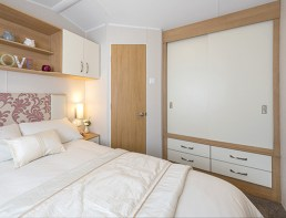 GENEROUS SIZE ROOM WITH DOUBLE WARDROBE AND EN-SUITE TOILET