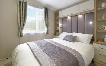 THE MASTER BEDROOM WILL BE THE ENVY OF ALL YOUR FRIENDS WITH A WALK IN WARDROBE, EN-SUITE TOILET AND DRESSING TABLE