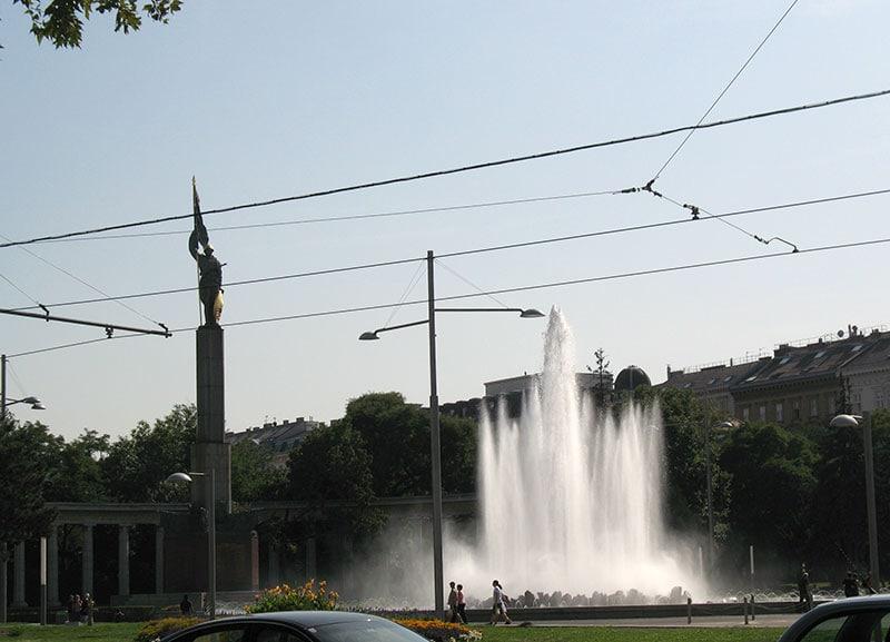 Памятник советскому солдату в Вене / фото автора