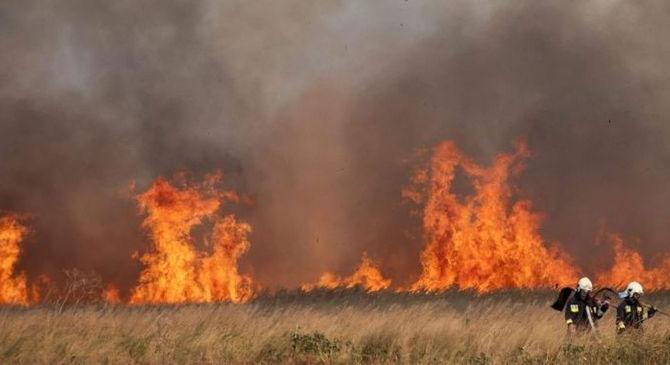 Tizenhét szabadtéri tűzhöz riasztották megyénk tűzoltóit
